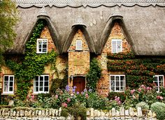 Avon Cottage in Cotswolds of Gloucestershire.