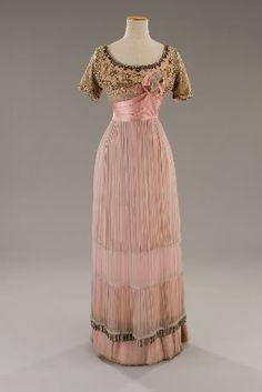 1912 Edwardian dress.