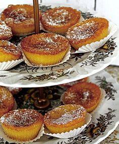 """Queijadas de leite e canela"""" Portuguese Desserts, Portuguese Recipes, Portuguese Food, Sweet Recipes, Cake Recipes, Dessert Recipes, Köstliche Desserts, Delicious Desserts, Good Food"""