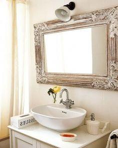 Bathroom Mirror With Pretty Lights