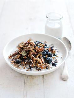 granola de trigo sarraceno crocante e deliciosa, um pequeno-almoço saudável para começar bem esta semana - casal mistério