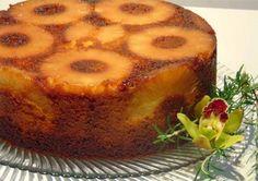 Bolo de ananás húmido Healthy Baking Substitutes, Baking Recipes, Cake Recipes, Portuguese Desserts, Portuguese Recipes, Portuguese Food, Other Recipes, Sweet Recipes, Pinapple Cake