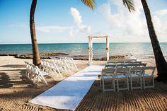 Casa Marina Wedding in Key West, Florida | Photo by Limelight Photography | Aisle Perfect #wedding #beachwedding #ceremony