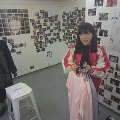 オープンしました大島智子さん御来場ありがとうございました会場ではチェキ取り放題ですぞぜひ記念にしてね#おとなにならないで
