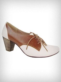 Oxford-style Pumps