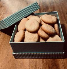Készíts házi piskótát a kávéd mellé - ecoffee. Minion, Bread, Food, Brot, Essen, Minions, Baking, Meals, Breads