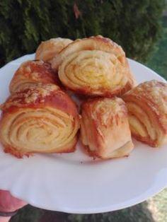 Vajdasági sós csiga - Süss Velem Receptek Pretzel Bites, Cabbage, Cooking Recipes, Keto, Bread, Cheese, Snacks, Meals, Chicken