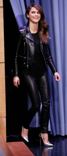 Matthew Rhys Denies Keri Russell Dating Rumors to His Mom!: Photo Keri Russell keeps it fierce with an leather ensemble while making an appearance on The Tonight Show Starring Jimmy Fallon at NBC Studios on Friday (March in… Celebrity Outfits, Sexy Outfits, Chic Outfits, The Americans Tv Show, Leather Trousers, Leather Jackets, Biker Jackets, Keri Russell, Magic Women