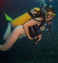 Women's Diving, Awkward Family Photos, Ocean Pictures, Underwater Photographer, Scuba Girl, Snorkelling, Koh Tao, Sport Girl, Swimming