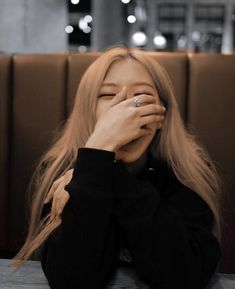 Roseanne is the type of girlfriend Korean Girl, Asian Girl, Blackpink Photos, Pictures, Rose Photos, Type Of Girlfriend, Black Pink Kpop, Black Pink Rose, Rose Icon