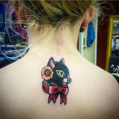 Amelia Moore @ameliamooretattoos #tattwho #tattoo #tattoos #tattooartist #tattooartists #tattooist  #tattooer #artist #tattoolife #instaart #instatattoo #tattoodesign #tattooed #ink #inked #tattooaddict #tattooart #art #photooftheday #instagood #instastyle #instabeauty #bodyart #tattooidea #tattoooftheday #upperdarby #cat #traditional #flower #catsofinstagram