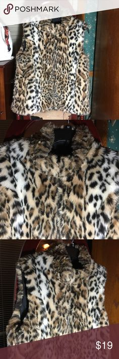 🎉PRICE DROPPED‼️Faux Vest I don't know the brand but my mother in law gave this to me 3 years ago • No inclusion Others Jackets & Coats Vests