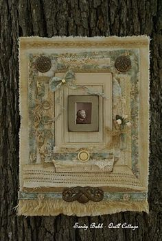 Love this frame. She has some of the most beautiful give aways on her blog that I have ever seen. Quill Cottage: