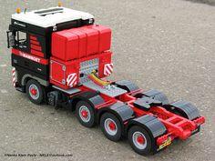 DAF XF Mammoet-02   by nkle Lego Technic, Lego Crane, Transporter Van, Lego Truck, Lego Ship, Lego Activities, Lego Construction, Lego Toys, Lego Worlds