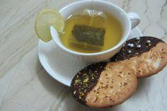 Green Tea and dark chocolate cookies! https://theclosetplebeians.wordpress.com/2015/06/13/orange-green-tea-face-food/