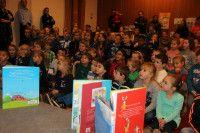 Basisschool het Kofschip in #Zevenaar en de Jonkersschool in Lathum zijn op 5 februari 2014 gestart met de pilot 'De Bibliotheek op School'.  De gemeente steunt dit initiatief van harte omdat het de leesmotivatie bevordert en hiermee de ontwikkeling van kinderen stimuleert.