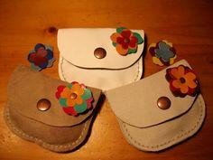Handmade Leather Wallet, Leather Card Wallet, Leather Gifts, Leather Pouch, Leather Tooling, Leather Diy Crafts, Leather Projects, Handmade Purses, Handmade Handbags