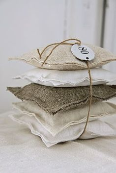 Linen Lavender Sachet   from Aina's Charme, a lovely Norwegian site full of beautiful linen products.  Check it out!