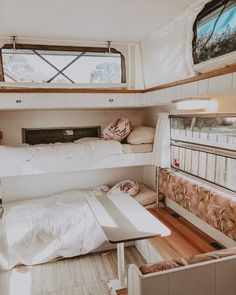 Are you looking for DIY caravan renovation inspiration? We& got a list of fabulous vintage caravan renovations that will delight you! Caravan Bunk Beds, Diy Caravan, Caravan Living, Caravan Decor, Rv Living, Retro Caravan, Pop Up Caravan, Rv Bunk Beds, Living Area
