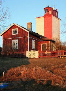 Kuvia ja matkoja... ja ehkä vähän arkista elämääkin: Suomen majakat 2 - Utö Atlantic Ocean, Archipelago, Finland, Scenery, Cabin, Lights, Mansions, Lighthouses, House Styles