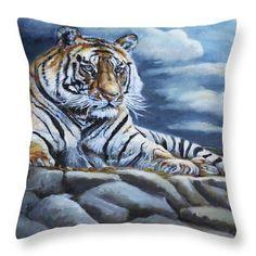 Portraits by NC.com Decorative Pillows #pillows #cushion #kissen #wildlife #wildlife #bengal #animal #tier https://portraits-by-nc.com/products/the-bengal-tiger-throw-pillow