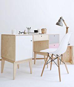 Meble FUSS biurko / toaletka, od projektanta Wood Republic | Mustache.pl