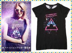 ★SALE★海外ブロガー愛用!☆style stalker☆スペースTシャツ 海外のファッションブロガーの方が愛用されているアイテムです。  宇宙をモチーフにしたイラストがプリントされたTシャツになります。 ウォッシュカラーや部分的なダメージ加工など、細部までおしゃれなデザインです。 カジュアルな万能アイテムとして、おすすめです。