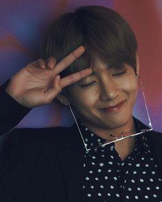 Kim taehyung an immortal true blood who is waiting for his mate Jungkook. I cant live without you. Bts Taehyung, Namjoon, Jimin, Hoseok, Daegu, Billboard Music Awards, Justin Bieber, Sunshine Line, Bts Cute