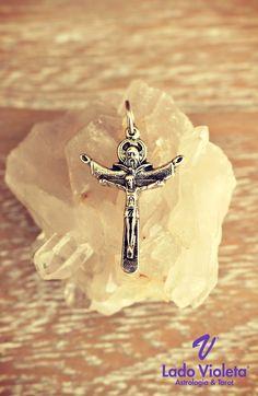 Cruz da Santíssima Trindade | Amuleto do Dia 2# | 9 de Junho de 2017 | Lado Violeta | #holytrinity #cross #crystals #amulet #mysticdecor #mysticjewelry #astrologia #ladovioleta #previsões #tarot