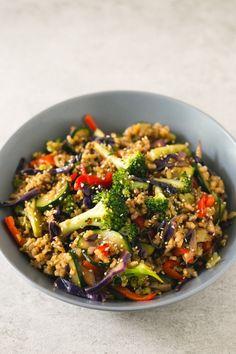 Brown rice stir-fry with vegetables | simpleveganblog.com #vegan #glutenfree