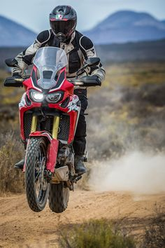 This will most likely be my next bike. Honda Jazz, New Honda, Offroad, Honda Africa Twin, Foto Top, Honda Motorcycles, Honda Motos, Touring Bike, Motorcycle Style