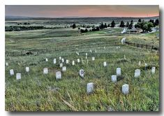 Little Bighorn Battlefield- a monument to the hubris and arrogance of Custer. If possible, make sure to take time for the interpretive ranger talk before walking around the monmument fields. It puts everything in a deeper perspective. American Indian Wars, American History, American Indians, Custer Battlefield, George Custer, Battle Of Little Bighorn, Big Sky Country, Le Far West, Old West