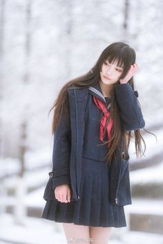 School Girl Outfit, School Uniform Girls, Girl Outfits, Cute Asian Girls, Cute Girls, Rafael Miller, Japanese School Uniform, Japan Girl, Poses