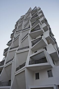 Ishatvam 9 Sanjay Puri Architects new High Rise Residential Building in Ranchi - The Architects Diary Architecture Courtyard, Plans Architecture, Architecture Concept Drawings, Modern Architecture Design, Facade Design, Amazing Architecture, Landscape Architecture, Unusual Buildings, Modern Buildings