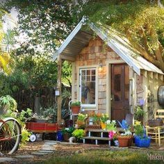 Cute Garden Shed Garden Structures, Outdoor Structures, Garden Tool Shed, Garden Sheds, Oak Framed Buildings, Studio Shed, Shed To Tiny House, Potting Sheds, Potting Benches