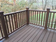TH Deck with Trex Select Saddle color flooring, Trex Transcend Tree House color railing and Trex Select Saddle color fascia wrap