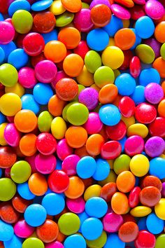 #Smarties make a colourful addition to any ice cream. One of our favourite #toppings!
