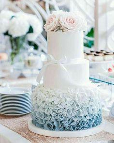 Wedding Cake Roses, Floral Wedding Cakes, Beautiful Wedding Cakes, Wedding Cake Designs, Beautiful Cakes, Preppy Wedding Cakes, Floral Cake, Fondant Cakes, Cupcake Cakes