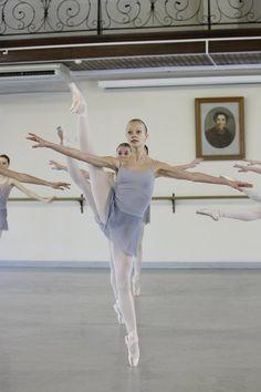 Vaganova Ballet Academy student Svetlana Strebko. Photos by Vladimir Frank.