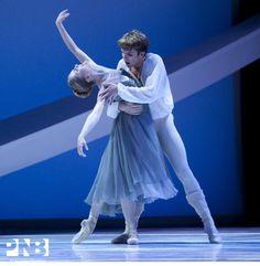 PNB principal dancers Carla Körbes and Lucien Postlewaite in Jean-Christophe Maillot's Roméo et Juliette.