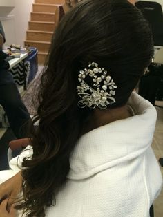 Side-Sweep hairstyle. Bridal ideas long hair Side Swept Hairstyles, Something Beautiful, Hair Designs, Designers, Long Hair Styles, Bridal, Wedding, Ideas, Casamento