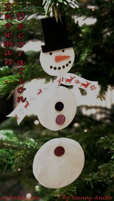 Make your own hanging snowmen decorations for the christmas tree. Snowman Decorations, Snowman Ornaments, Christmas Tree Decorations, Christmas Crafts, Christmas Ornaments, Holiday Decor, Make Your Own, Craft Ideas, Home Decor