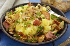Brennende kjærlighet Potetmos med selleri + bacon+sopp Oppskrift Hot Dogs, Potato Salad, Mashed Potatoes, Bacon, Meat, Dinner, Ethnic Recipes, Comfort Foods, Whipped Potatoes