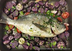 La Piccola Casa: Orata al forno con patate viola vitelotte arrostite e pomodorini