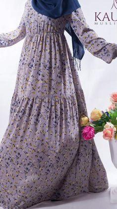 Soledad - Crep chiffon - Zipper collar - Lilac - Dress Lilac Dress, Floral Prints, Chiffon, Feminine, Spring Summer, Zipper, Fabric, How To Wear, Collection