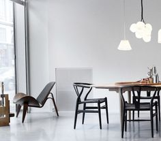 CH07 SHELL CHAIR, BY CARL HANSEN - Available at www.skandium.com