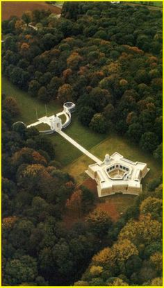 South African Commemorative Museum at Delville Woods (WWI) in Northern France Union Of South Africa, South African Air Force, Awsome Pictures, World War One, African History, War Machine, Military History, Places To See, Beautiful Places