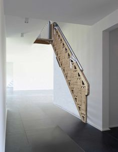 escalier Hybride Treppe / Zev Bianchi (BCompact) And To All A Goodnight! Metal Stairs, Loft Stairs, Wooden Stairs, House Stairs, Small Space Stairs, Escalier Art, Stair Slide, Cool Kids Bedrooms, Budget Planer