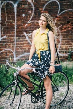 Comfortable summer outfit ideas perfect for riding a bike