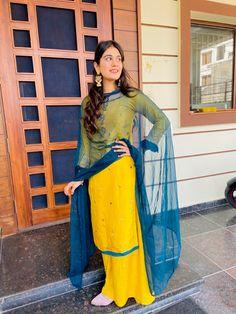 Girl Photo Poses, Girl Photos, Aesthetic Eyes, Newest Macbook Pro, Designer Party Wear Dresses, Embroidery Suits Design, Punjabi Wedding, Punjabi Suits, Indian Outfits
